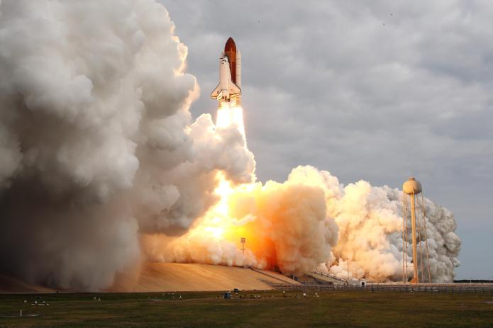 endeavour-sts134-launch